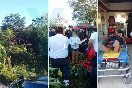 Se accidenta taxi: madre y sus dos hijas menores resultan heridas