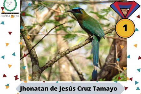 Aves altruistas sobrevuelan comunidad rural de Yucatán llevando libros y ayuda