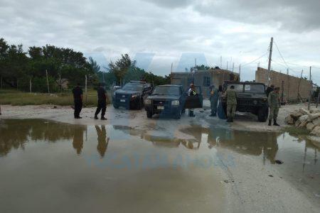 Frente frío número 8 inunda 'Cartolandia' en Celestún