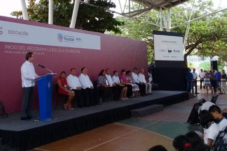 Maestros y papás dispondrán 507 millones de pesos para escuelas en Yucatán