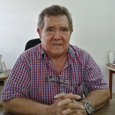 Jubilados piden voluntad política a la directora del Isstey