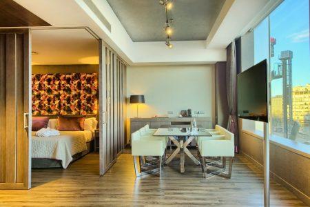 Protestan hoteleros por nuevo impuesto de 35 pesos por habitación ocupada
