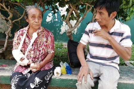 Allegado del alcalde de Izamal se niega a pagarle a una abuelita que atropelló