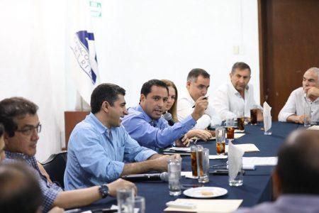 Empresarios respaldan al gobernador Mauricio Vila el ajuste al cinturón