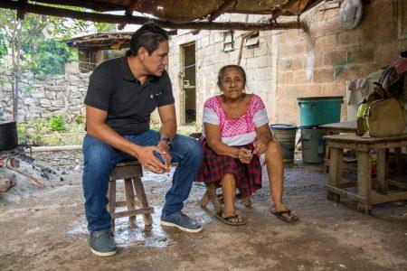 Dejan de ir 'al patio' 47 familias de Kinchil; otras estrenan casa 'de material'