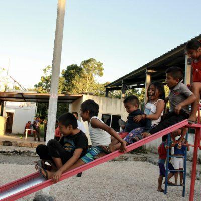Alcalde les baja el sueldo a los regidores para instalar juegos infantiles