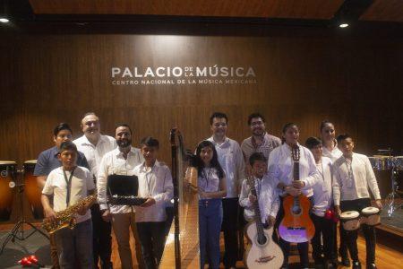 Palacio de la Música recibe instrumentos para sus jóvenes alumnos