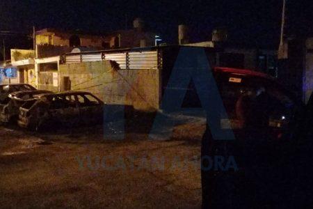 Salió peor: explota auto que le 'repararon' en un taller eléctrico