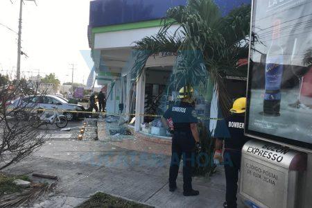 Explosión en centro comercial de Francisco de Montejo