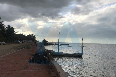 Retornan a salvo pescadores de Dzilam: se anclaron para que no los aleje el norte