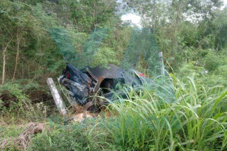 Sale disparado de su auto, en la carretera Mérida-Acanceh