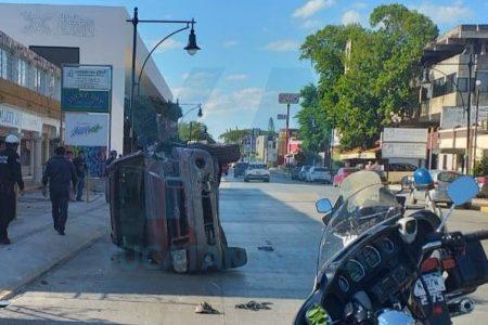 Se proyecta contra un muro, en zona turística de Mérida