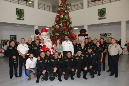 Encienden la Navidad en la Secretaría de Seguridad Pública de Yucatán