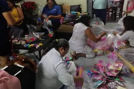 Cumplen 15 años de llevar juguetes a los niños en municipios de Yucatán