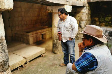 Hallan mesa de piedra con cautivos mayas, en Chichén Itzá