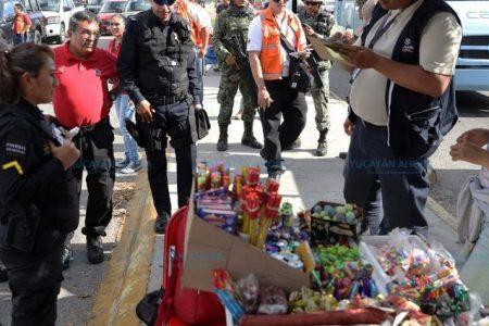Refuerzan medidas de seguridad en los puestos de artículos navideños