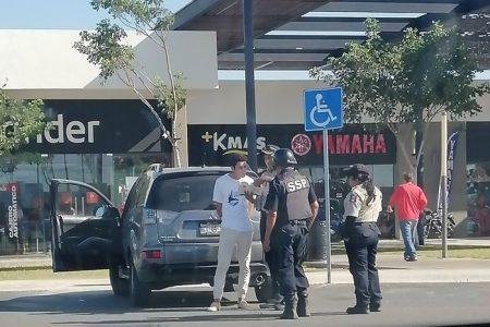 Amonestado por ocupar un casillero de estacionamiento para discapacitados