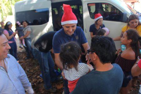 Más empresas se suman a la entrega de juguetes en el sur de Yucatán