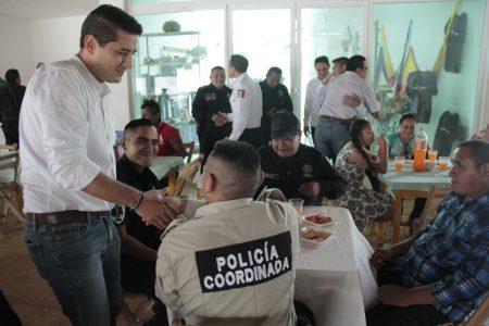Reconocen labor de los policías municipales de Tekax