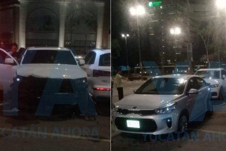 Ebria conductora provoca doble choque en Plaza La Isla