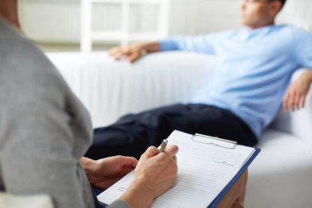 Las personas deben ir al psicólogo o psiquiatra al menos una vez