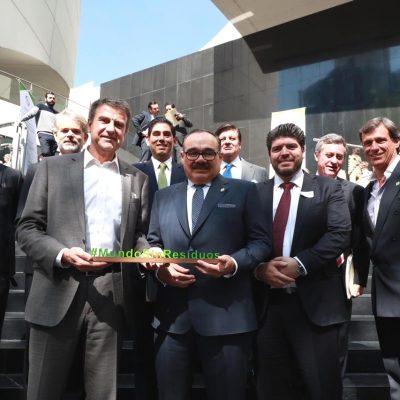 Firman acuerdo para promover una economía circular en México