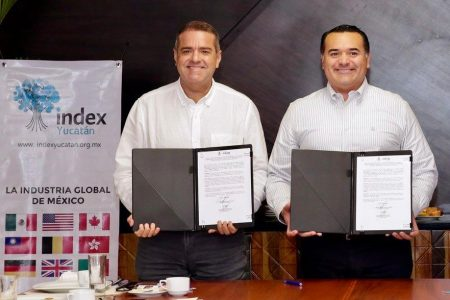 Renán Barrera impulsa la creación de empleos junto con el sector industrial