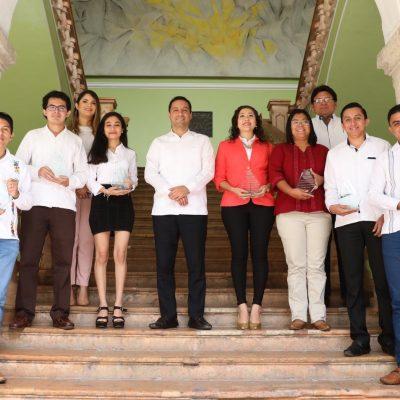 Mauricio Vila se reunió con los ganadores del Premio Estatal de la Juventud 2019