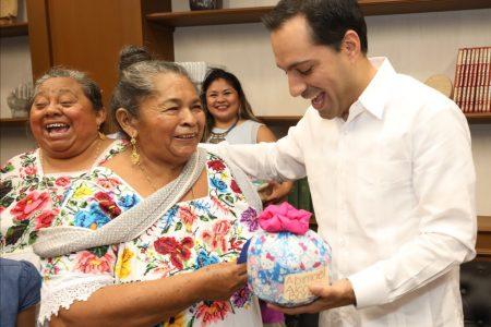 Mauricio Vila se reunió con familiares de migrantes yucatecos
