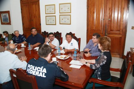 Gobierno del Estado sostiene diálogo con transportistas