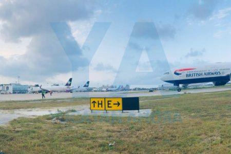 Bajan en Mérida nueve aviones que no pudieron aterrizar en Cancún