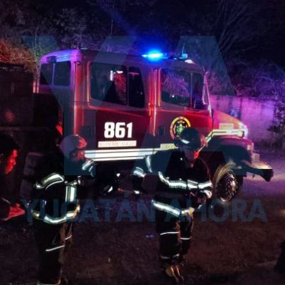 Deja una veladora encendida y se consume su casa, su vecina evita un desastre