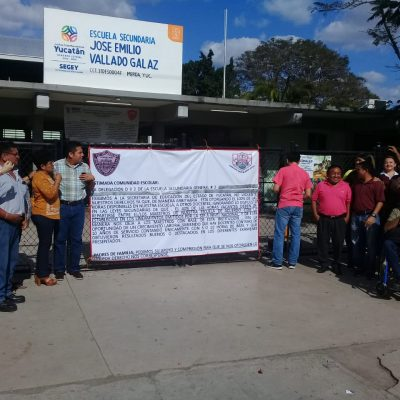 Maestros suspenden clases en secundaria de Mérida para presionar a la Segey