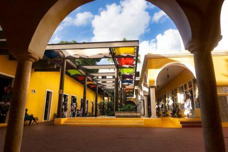Xcaret deja un local del mercado de Zací para evitar conflictos con artesanos