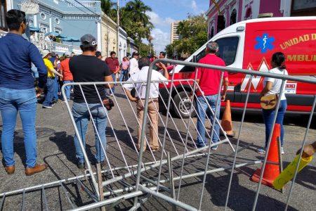 """Grupos de choque de Morena """"revientan"""" manifestación pacífica en Mérida"""