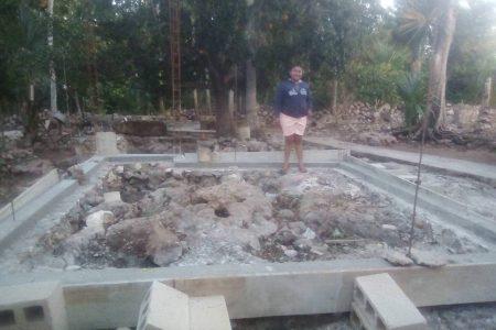 Comienzan a construir la casa de Rocío, la joven de Kinil que cumplió su sueño de XV años
