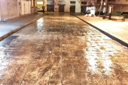 Primero de ambulantes, ahora limpian de mugre la zona del Eulogio Rosado