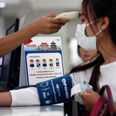 Protocolo sanitario en el aeropuerto de Mérida por avance de coronavirus