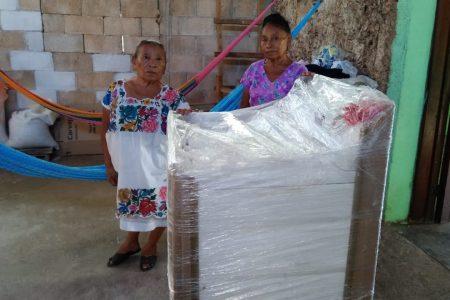 Chihuahua y Yucatán se dan la mano: entregan lavadora a expertas tamaleras