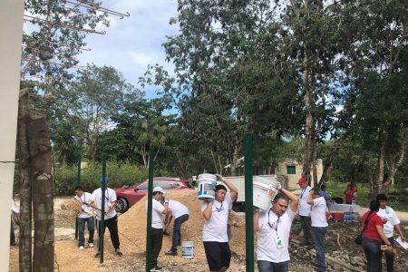 Roche y fundación Salvati realizan trabajo comunitario en El Porvenir