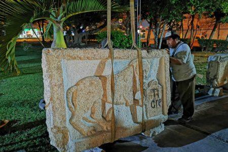 Devuelven histórica placa de piedra, con antigüedad de cuatro siglos