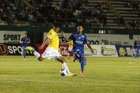 Freddy Martín le ganó el duelo yucateco a Carlos Rosel