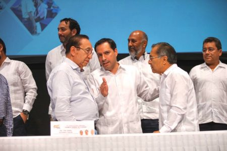 Mauricio Vila llamó a los trabajadores a cerrar filas para cuidar la paz laboral