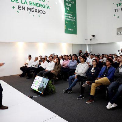 Mauricio Vila se reúne con estudiantes del Instituto Tecnológico del Petróleo y Energía