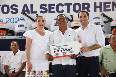Mauricio Vila da fuerte impulso a la producción de henequén