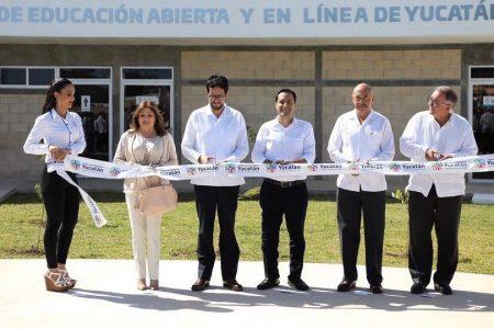 Mauricio Vila inaugura el Centro de Educación en Línea de Yucatán