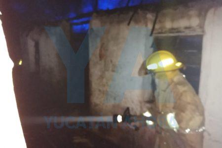 Otros incendiarios: le prenden fuego a dos viviendas en Akil