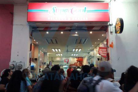 Explota local de comida en el centro de Mérida