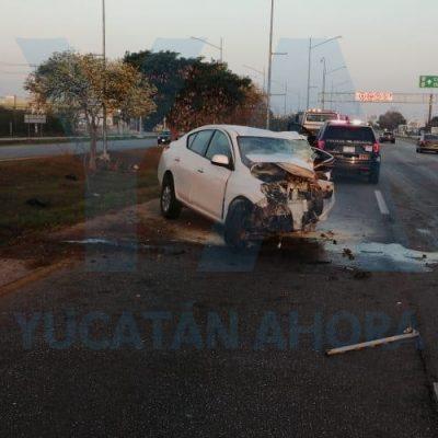 Joven conductor muere prensado en su vehículo, en el Periférico norte