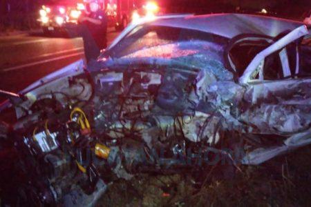 Trágico choque en carretera de Acanceh: conductor invade carril y perece